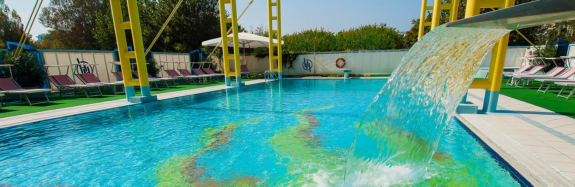 ... Pool Von über 120 Qm, Auf 4 Meter Höhe. Hier Können Sie Dank Der Vielen  Animationsaktivitäten Spaß Haben. Aquagym Kurse, Wasserspiele Für Kinder,  ...